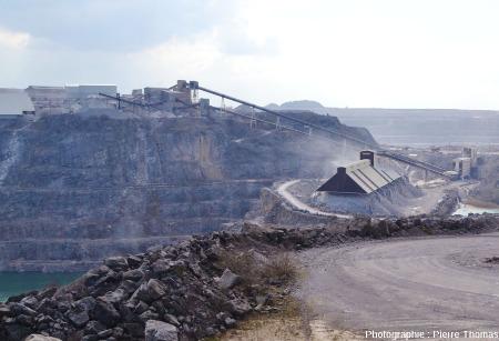 Les installations de tri et de concassage de la carrière du Boulonnais (Ferques, Pas de Calais)