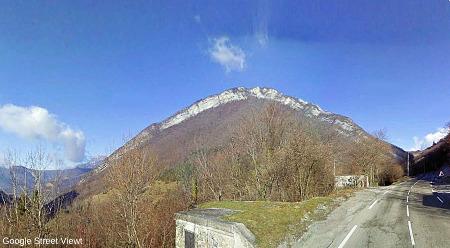 L'anticlinal de l'Écoutoux vue de la route entre le col de Vence et le col de Porte