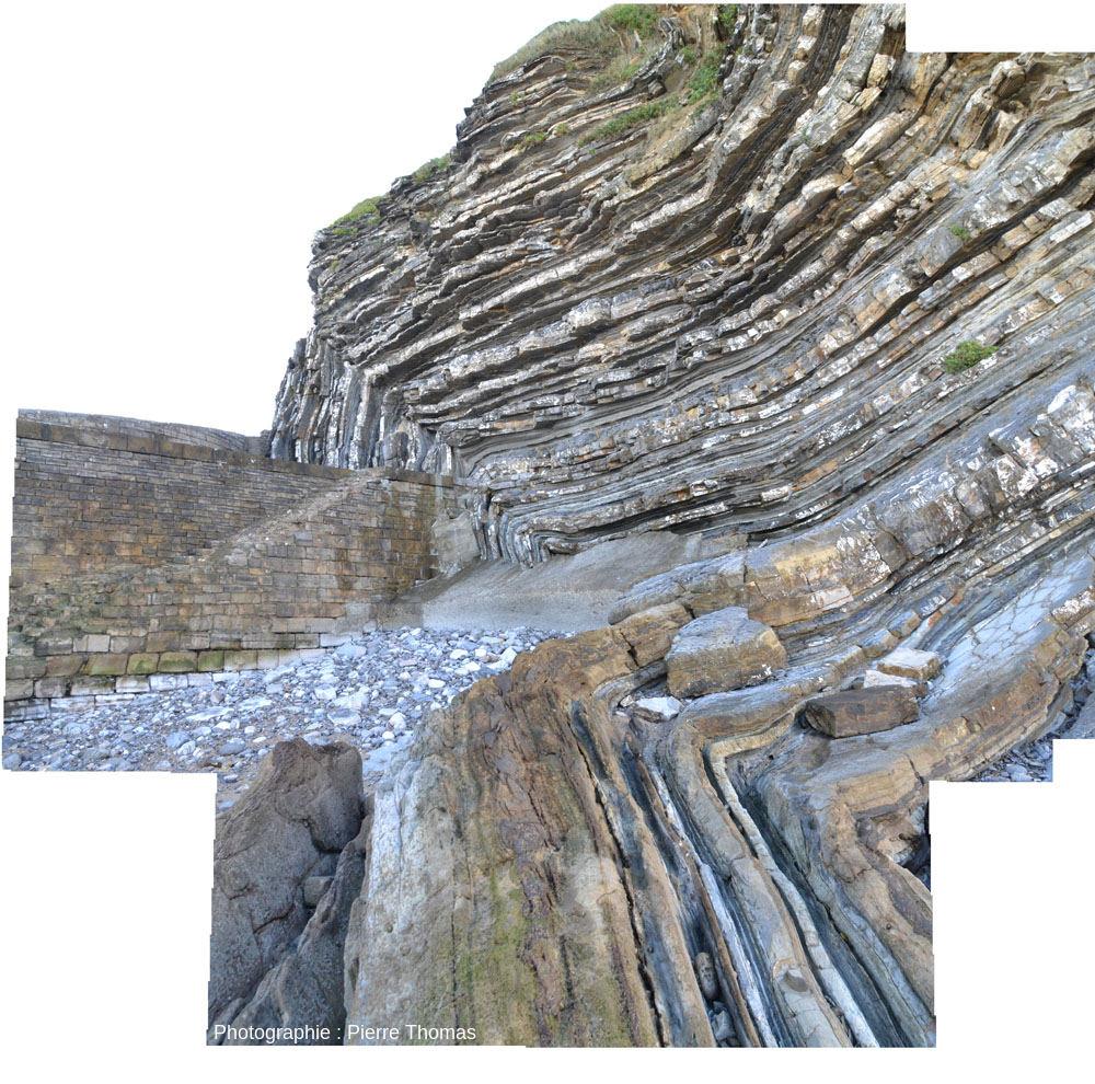 Vue sur le flanc Nord-Ouest du célèbre «demi-anticlinal» coffré de la Pointe de Sainte Barbe, Saint Jean-de-Luz (Pyrénées Atlantiques)