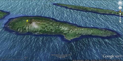 L'île de Pico (Açores), avec le volcan Pico (à gauche)