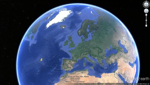 Position des Açores, archipel portugais situé sur la plaque européenne, très près du point triple séparant les plaques Amérique / Afrique / Eurasie