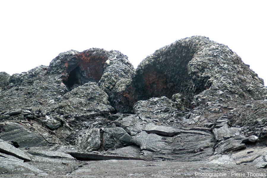 Groupe de deux spatter cones, dont celui des figures précédentes, Hawaï
