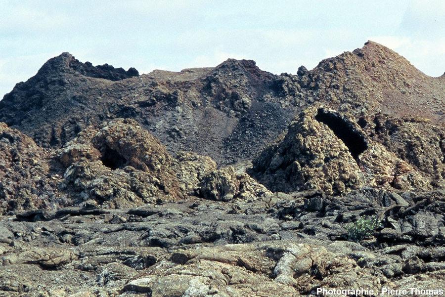 Vue détaillée des hornitos de droite (SE) de la figure ci-dessus, ïle de Lanzarote, Canaries