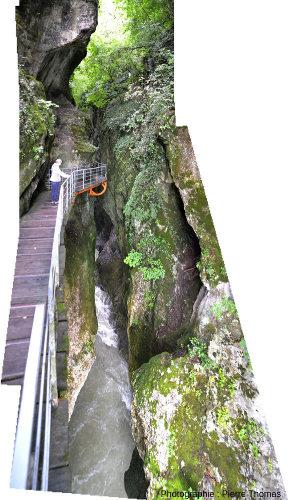 Gorges du Fier (depuis le point 1= même endroit que la photo 3), vers l'aval