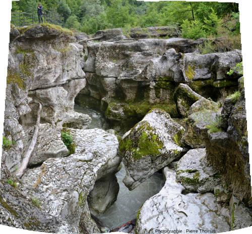 L'aval des Gorges du Fier pris en direction de l'aval (vers l'Ouest)