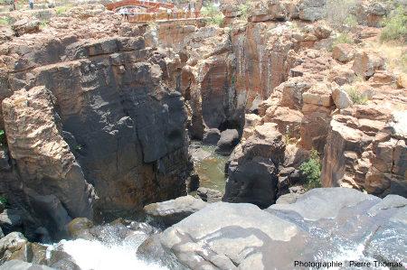 """En amont de la """"gorge de raccordement"""" (environ 100m de long) par où la Treur rejoint le niveau de la Blyde"""