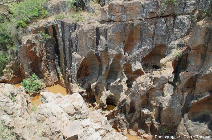 Les marmites de géant de la rive gauche de la Blyde, 100m en amont du confluent avec la Treur