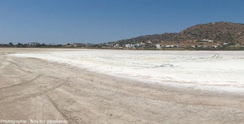 La lagune (asséchée) de Mikri Vigla sur la côte Ouest de l'île de Naxos, Grèce