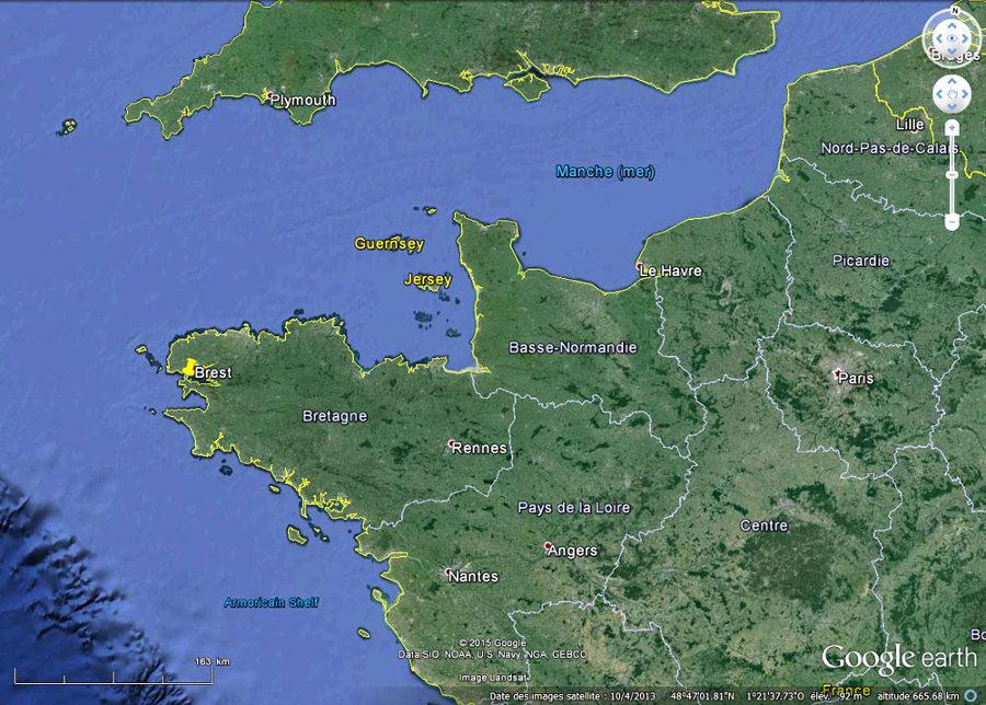 Localisation de la plage de Trez-Rouz et de la presqu'île de Crozon (punaise jaune)