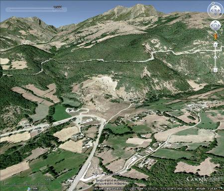 Vue aérienne de ce qu'il reste du glissement de la Salle en Beaumont en 2004 (10 ans après)