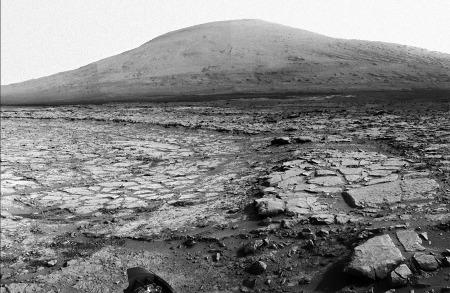 Les structures polygonales du cratère Gale photographiées par Curiosity, Mars