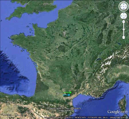 Localisation des avens du Mont Marcou (flèche verte) et des Crozes (flèche bleue)