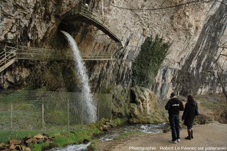 La source du Dard en période de hautes eaux