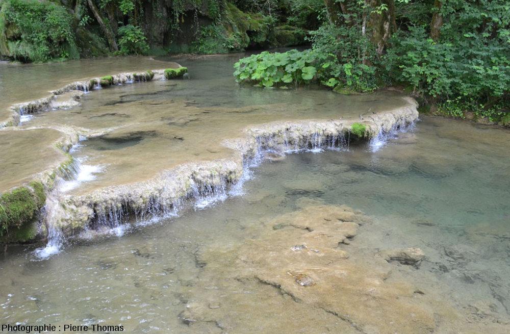 Barrages gours amont, Reculée des Planches (Jura)