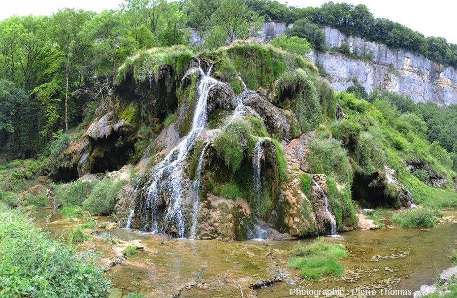 Le côté Sud-Est de la cascade de Baume-les-Messieurs (Jura)
