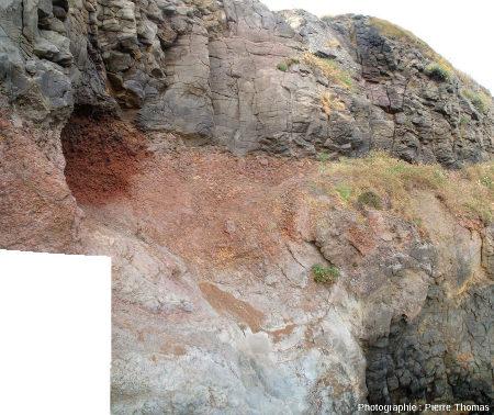 Zoom sur la zone où la coulée supérieure recouvre la coulée inférieure