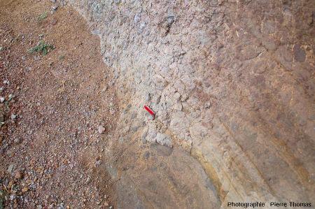 Détail du niveau de brèches basaltiques scoriacées séparant les deux coulées basaltiques de la Pointe Nègre
