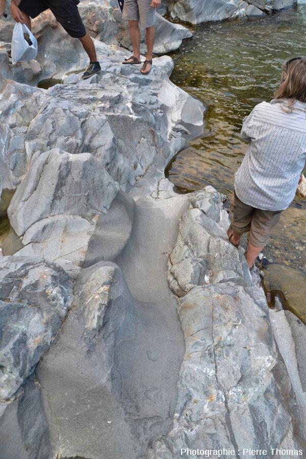 Le filon andésitique principal de la rive droite de la Lys, Lillianes (Val d'Aoste, Italie)