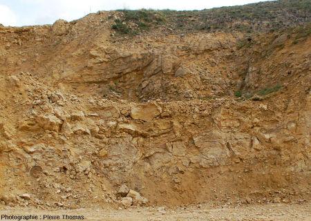 L'un des fronts de taille de la carrière du Mont Libre de Gannat (Allier)