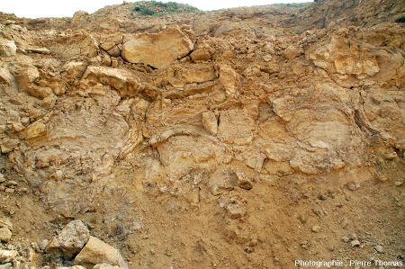 Zoom sur l'un des fronts de taille de la carrière du Mont Libre de Gannat (Alier)
