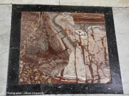Pavement à marbres polychromes, basilique Saint Jean de Latran
