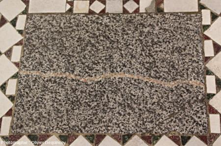 Pavement à marbres polychromes et granite, basilique Saint Jean de Latran