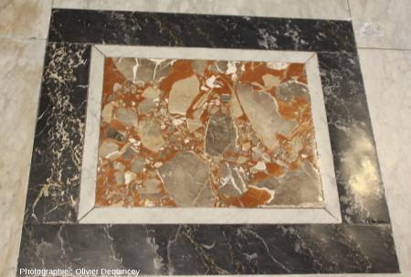 Pavement à marbres polychromes, basilique Saint Pierre de Rome
