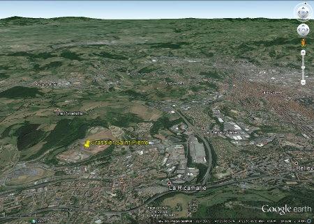 Localisant du Cassier Saint-Pierre et de La Ricamarie dans la banlieue de Saint-Étienne