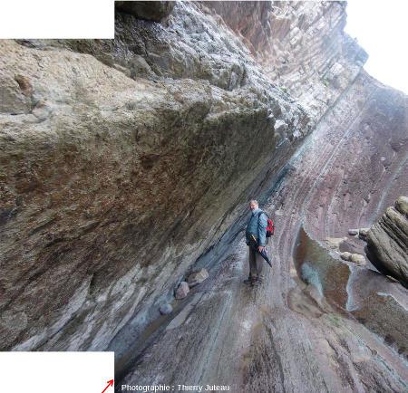 Vue rapprochée sur la limite K-T de Zumaia, Pays Basque espagnol