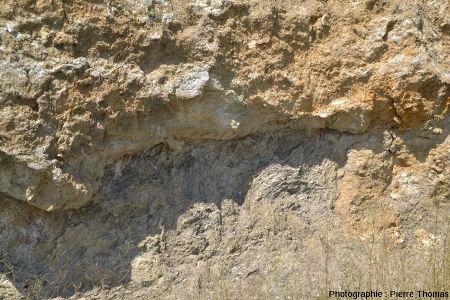 Détail sur le contact gypse triasique - marnes moires jurassiques, Lazer (Hautes Alpes)