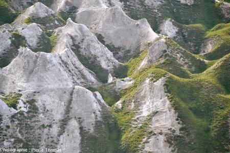 Les Gypsières vues depuis le 4ème virage en descendant le flanc nord du Col du Galibier (Savoie)