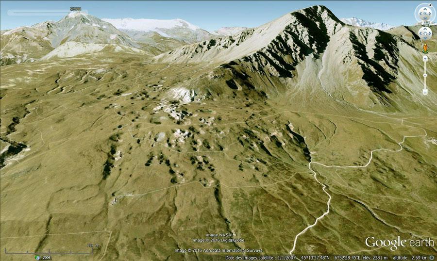 Entonnoirs de dissolution dans du gypse triasique près du Col du Mont-Cenis
