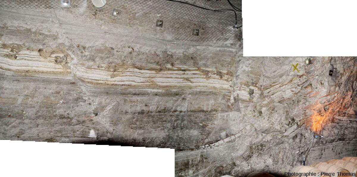 Vue d'ensemble d'une paroi où la tectonique est plus complexe dans les gypses de Portel-des Corbières (Aude)