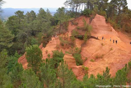 Détail du début du sentier des ocres de Roussillon