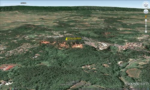 Vue aérienne du site des ocres de Roussillon (Vaucluse)
