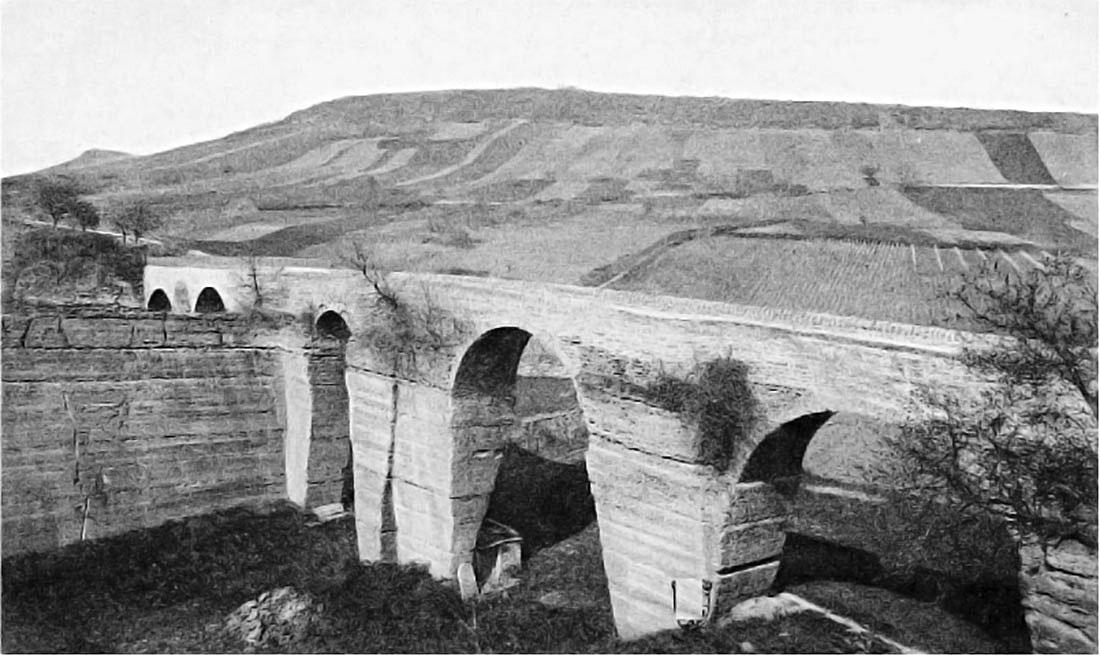 Le côté Ouest (côté Saint-Fortunat) du Pont des Carrières