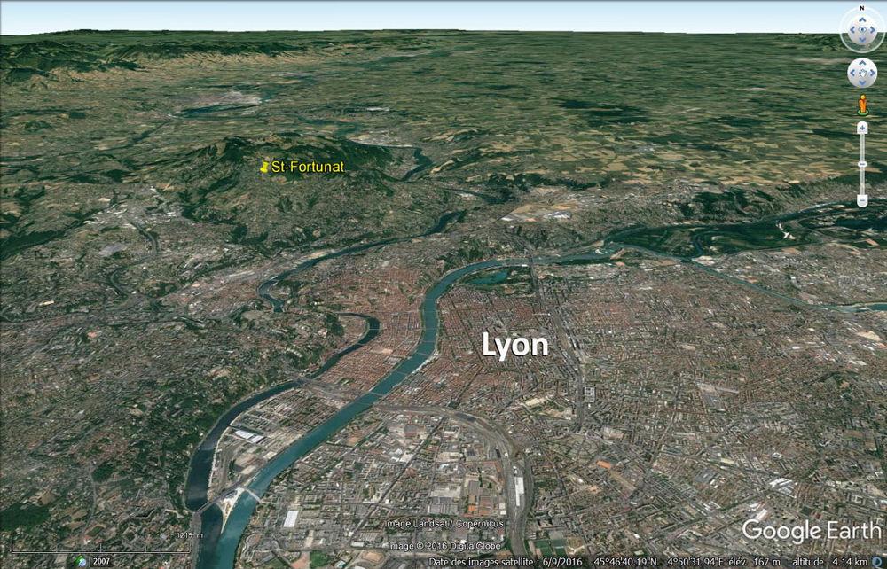 Vue aérienne de Lyon et du Nord-Ouest de sa région