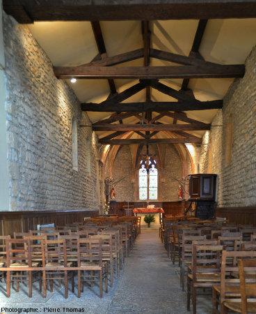 Vue générale sur la nef gothique de la chapelle de Saint-Fortunat