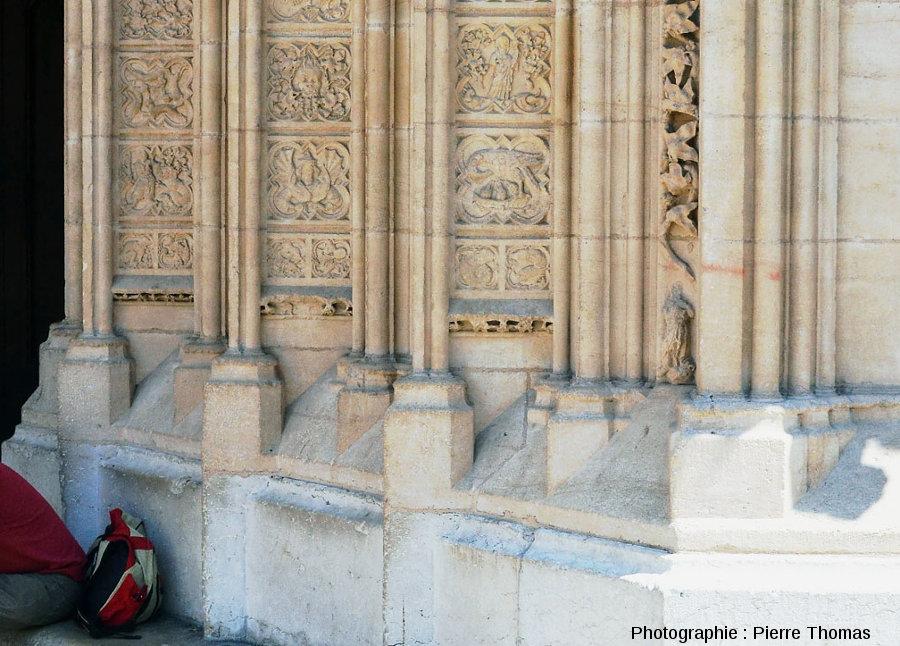 Bas du côté Sud du portail Sud de la façade Ouest de la cathédrale Saint-Jean de Lyon