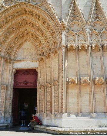 Portail Sud de la façade Ouest de la cathédrale Saint-Jean de Lyon