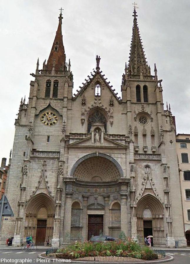 Façade de l'église Saint-Nizier (lyon), datant des XIVème et XVème siècle