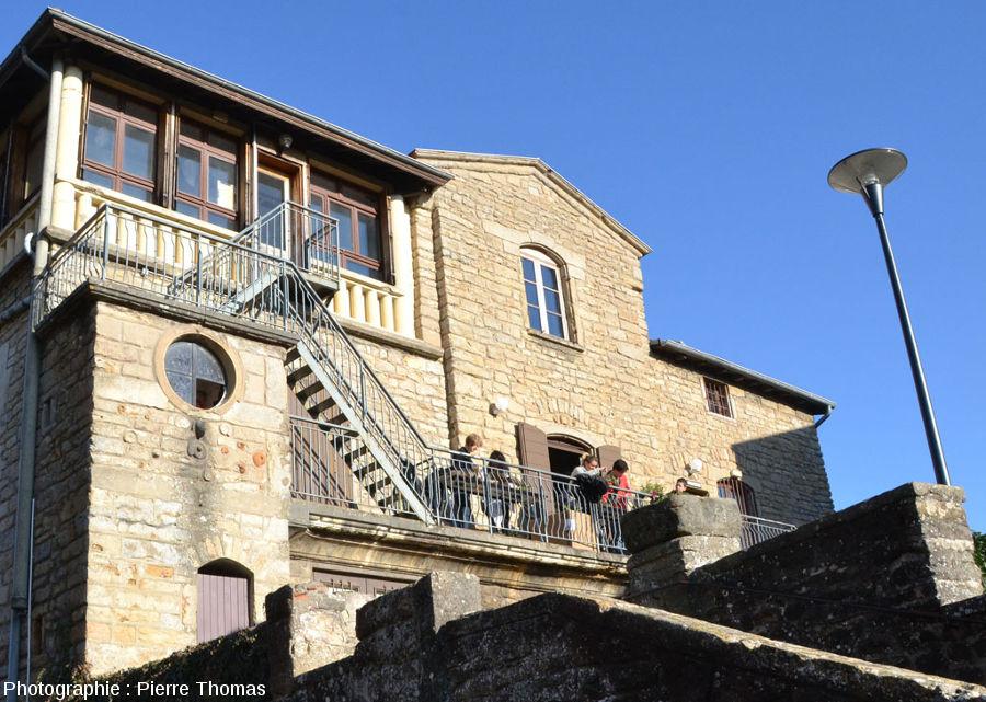 Façade Sud de la maison dite des carriers à Saint-Fortunat (commune de Saint-Didier-au-Monts-d'Or, limitrophe de Lyon)