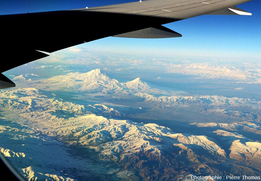 Vie générale sur les deux Ararat (5165 et 3925m) et sur les plateaux environnants