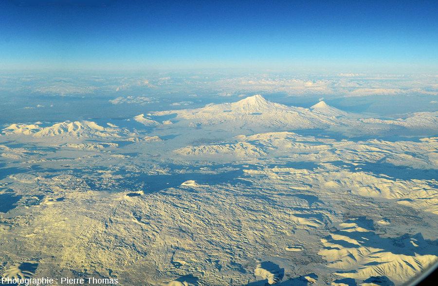 Vue lointaine sur les Grand et Petit Ararat