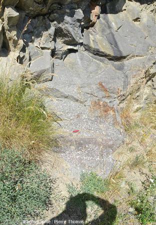 Autre affleurement à alternances gréso-conglomératiques hercyniennes à quelques mètres du précédent