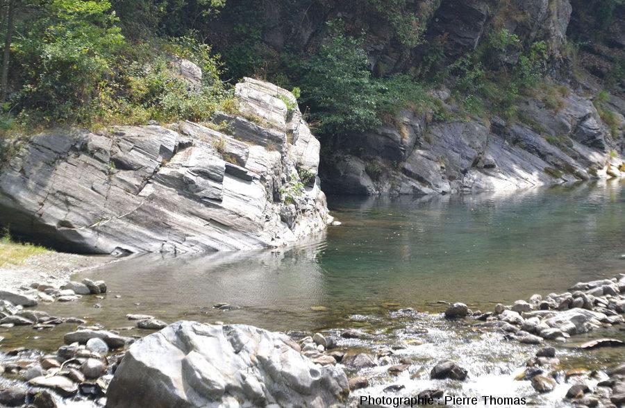Les bords du Torrente Germanasca, au bord duquel ont été prises toutes les photos de cet article