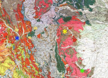 Localisation des conglomérats de Briançon (étoile bleue) dans le Carbonifère sédimentaire de l'Ouest de la zone briançonnaise, de Perosa Argentina et de ses méta-conglomérats dans le Carbonifère métamorphique du massif de Dora Maira (étoile jaune), et des célèbres quartzites à coésite au Sud de ce massif de Dora Maira (étoile verte)