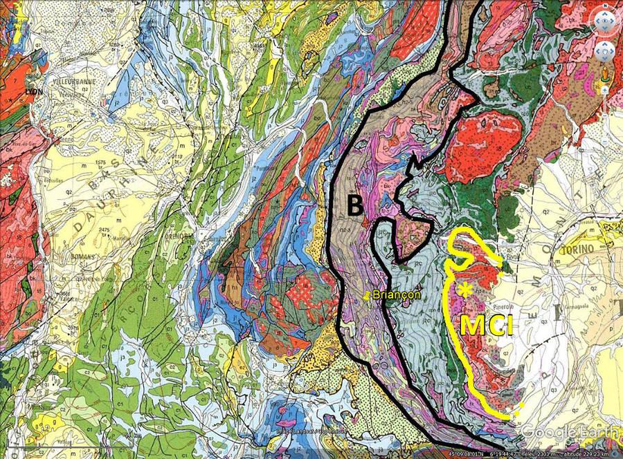 Localisation de la zone briançonnaise (entourée de noir) et du massif de Dora Maira (MCI, entouré de jaune)