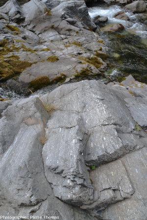 Méta-conglomérats du bord du Torrente Germanasca, à 3,5km au Sud-Ouest de Perosa Argentina