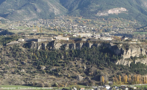 Vue globale de la citadelle de Mont-Dauphin, bâtie par Vauban
